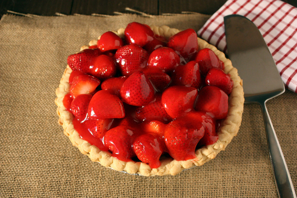 Easy Fresh Strawberry Pie - Copycat of Shoney's. Very few ingredients make this pie super easy!