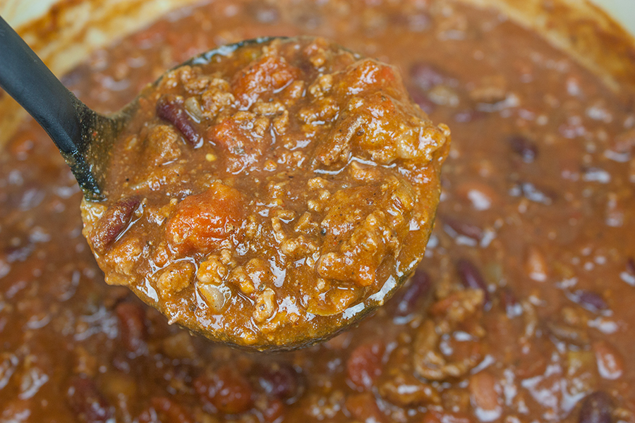 Thick & Hearty Homestyle Chili - Warm up this winter with a big bowl of the BEST thick, flavorful and hearty chili!