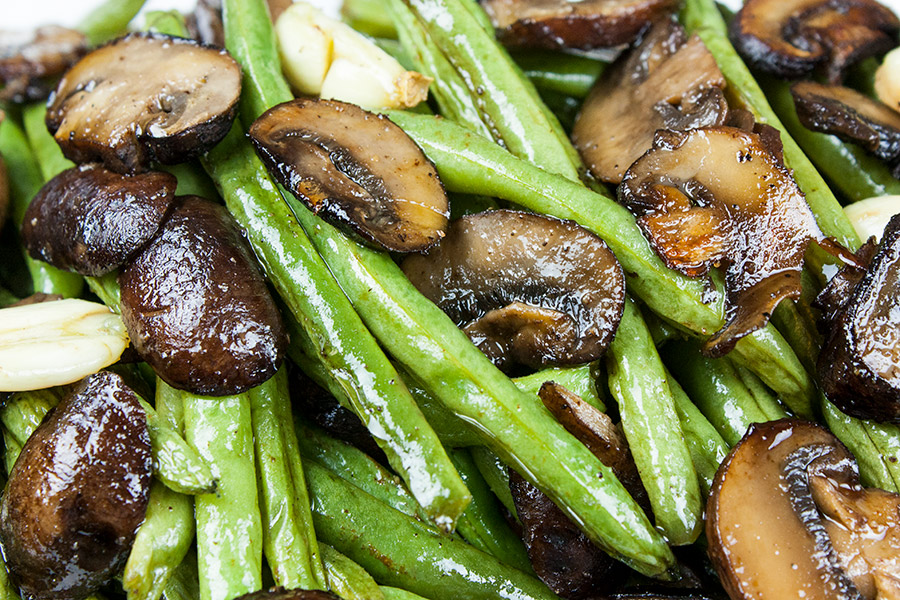 closeup of the Roasted Green Beans and Mushrooms